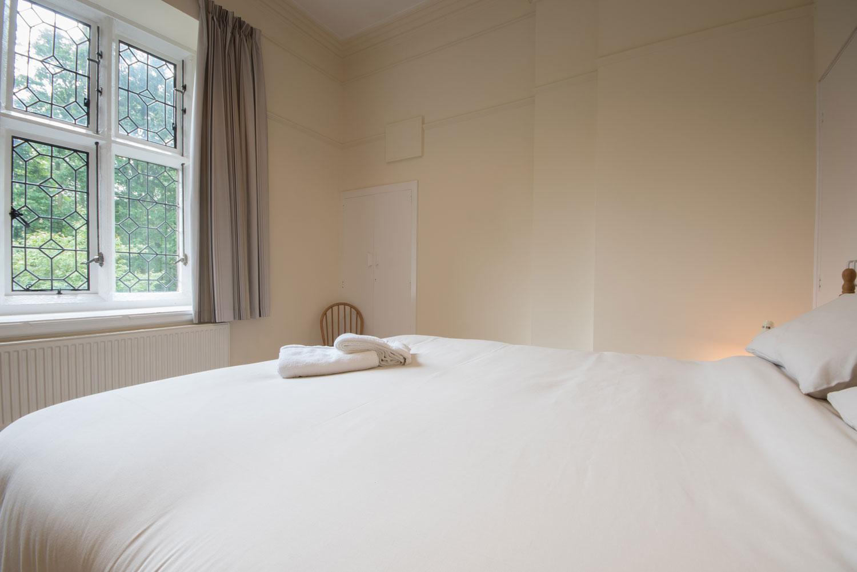 2 The Woodlands Main Bedroom