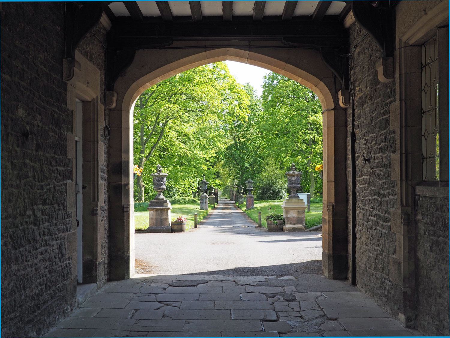 Arch and driveway of Thornbridge Outdoors